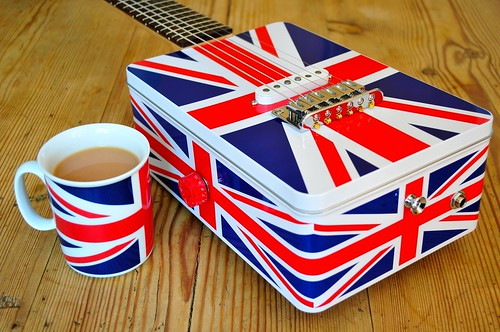 Union Jack Tin Guitar