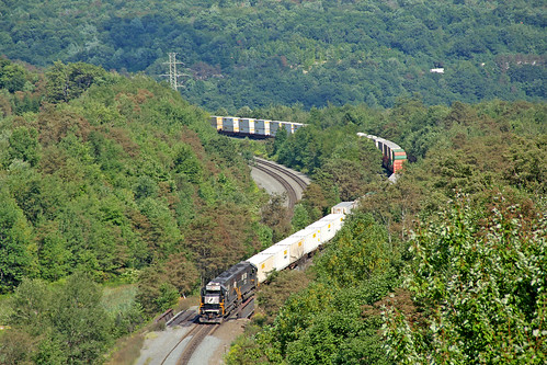 norfolksouthern norfolksoutherntrains nspittsburghline gallitzinpennsylvania nsstacktrains