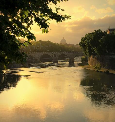 roma tramonto ponte tevere anche spietro cupolone