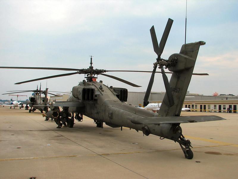 AH-64A Apache (2)