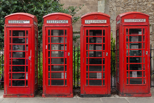 https://www.twin-loc.fr  Cabine téléphonique rouge - Red telephone box - London Londres - photo picture image photography | by www.twin-loc.fr