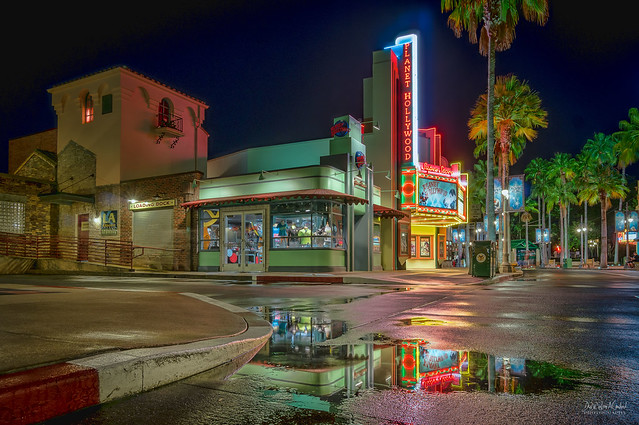 Hollywood Studios - Planet Hollywood Superstore