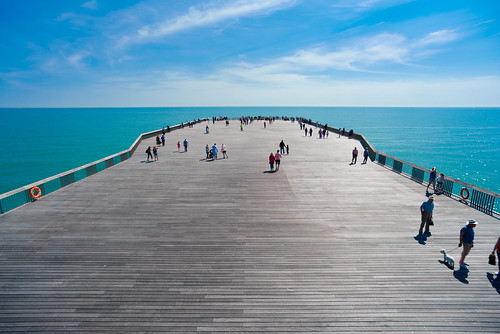 summer holiday beach pier nikon angle wide sigma full frame d750 hastings 1066 18mm