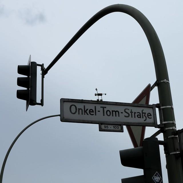 Onkel Toms Korkmännchen / Uncle Tom's Stick Figure