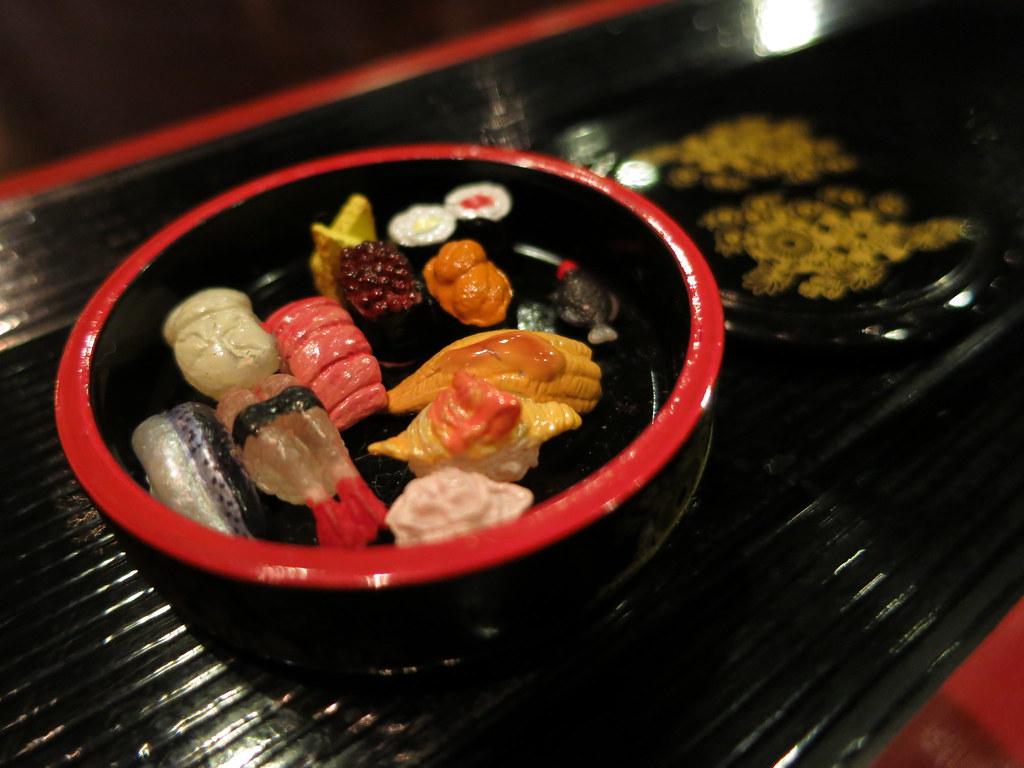 e518be31d by lili_mini My favorite sushi set! Uni, how I love thee. | by lili_mini
