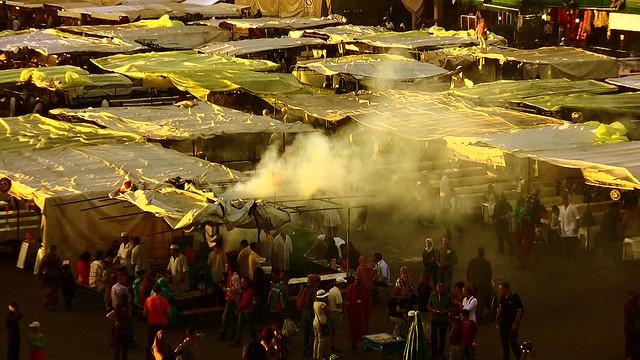 Marokko , Marrakesch ,  Djemaa el Fna am Abend, orientalisch und exotisch , 10-42/2461