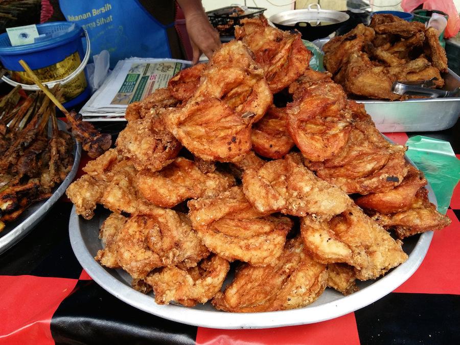 Street Food: Ayam Goreng