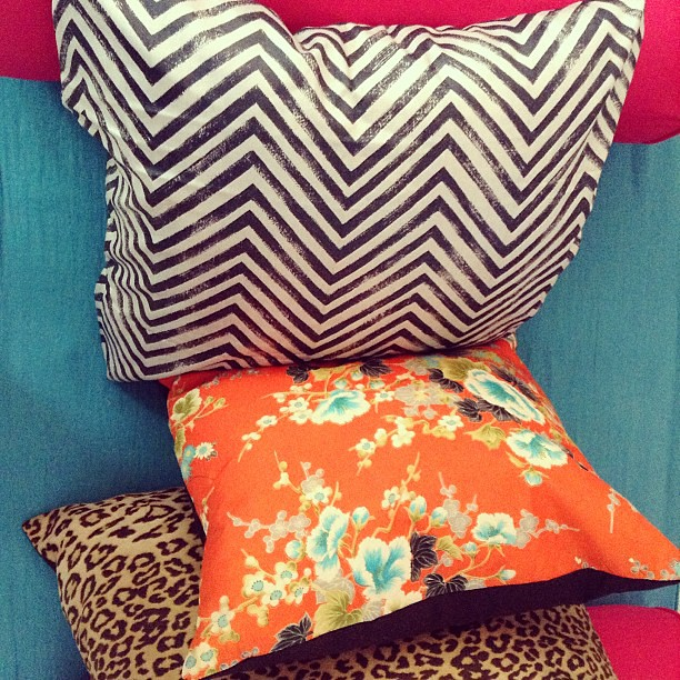 Lots of #pattern and #color goin on in the #upholstery #workroom this morning!