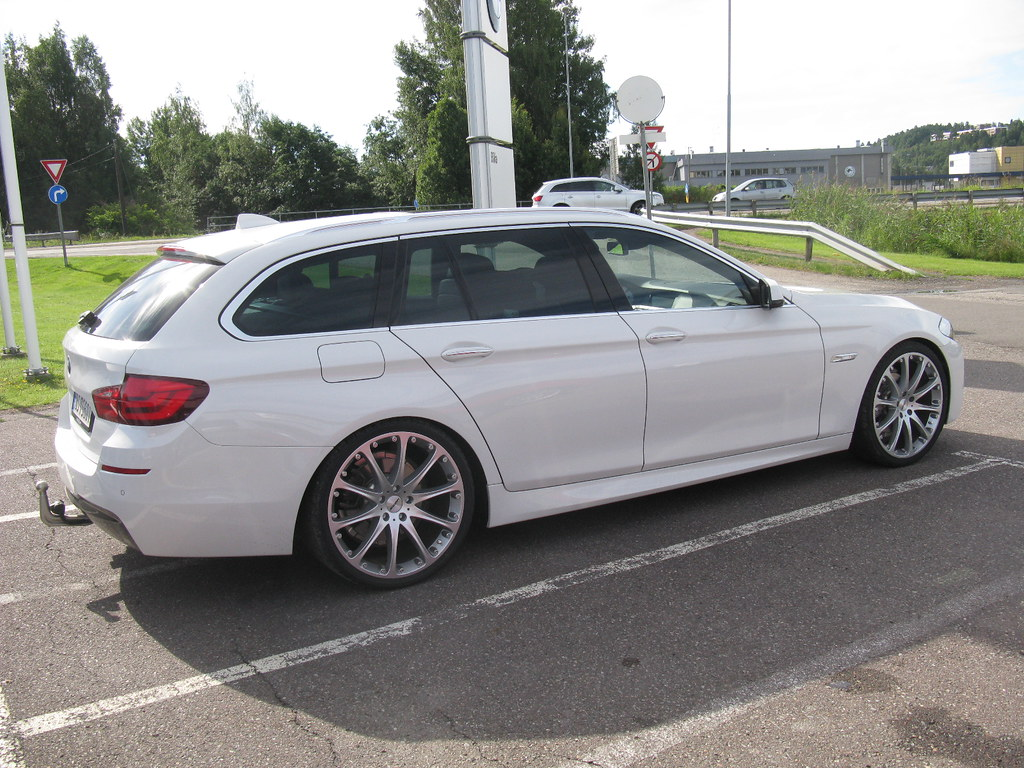 BMW 5 Series Touring M Sport F11