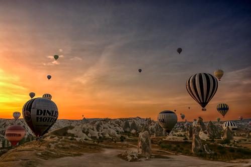 travel vacation sky mountain colors sunrise turkey balloons landscape fly balloon flight valley cappadocia anatolia goreme hotairbaloons