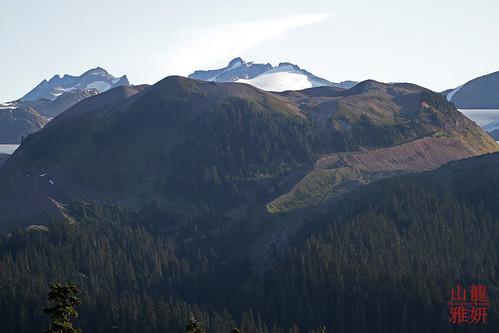 opalcone elfinlakes diamondhead garibaldiprovnicialpark alpine hiking mountains meadows squamish highlands