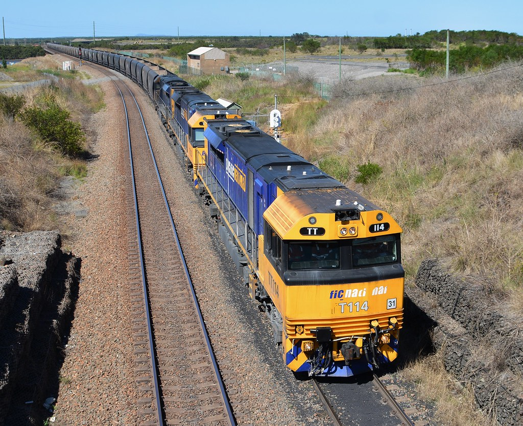 TT114-TT123-TT107 Down Mayfield West Pacific Hwy Bridge by LOCOPOWER