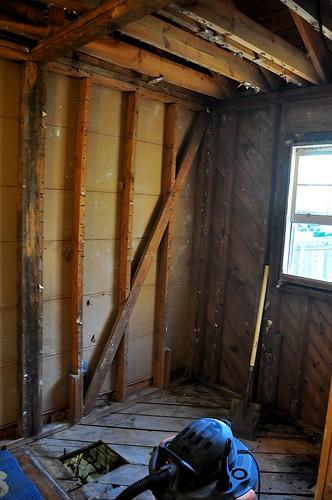 2012-02-05 Bathroom demolition 15 | by ericdodds