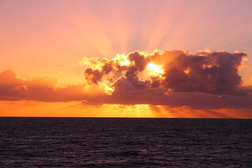 ocean africa sunset france reunion sunrise dawn coast twilight cloudy indianocean denis daybreak stdenis skytheme