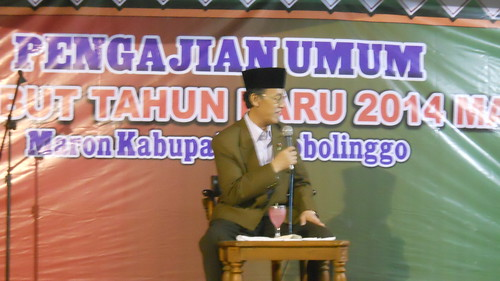 Ceramah di hadapan Majelis dzikir dan sholawat menyambut Tahun Baru 2014 di Maron Probolinggo 31-12-2013 | by hamkahaq