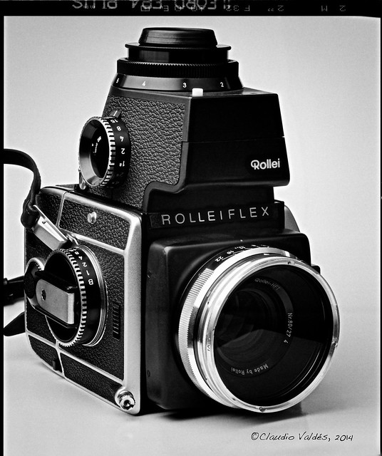 Rolleiflex SL66 - 3/4 Profile