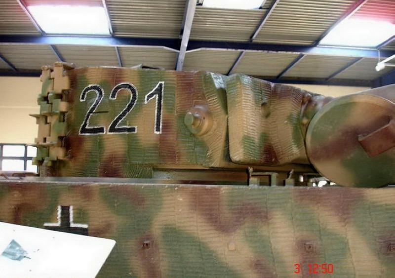 PzKpfw VIH Tiger (8)