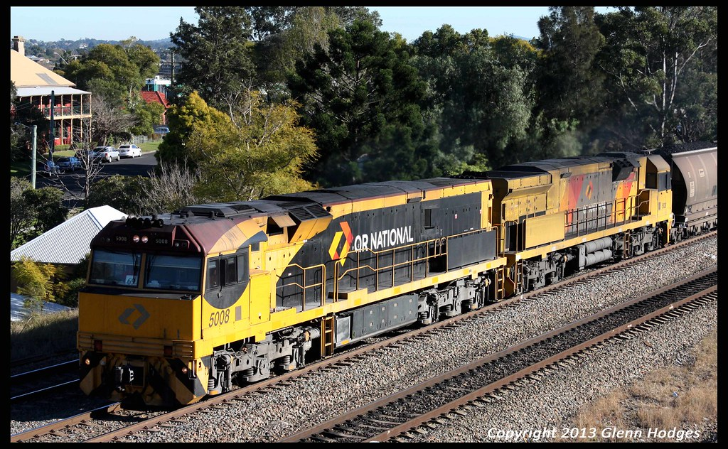 Aurizon 5008 leading coalie though East Maitland by glenn5108