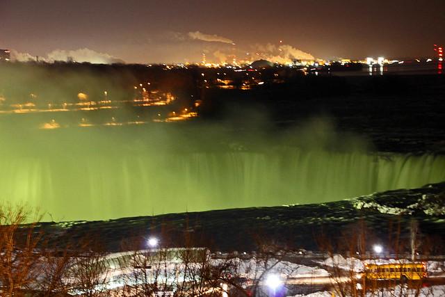 niagra falls at nite