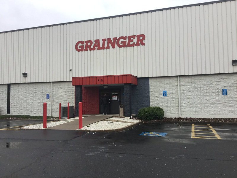 Grainger Retail Store 2016
