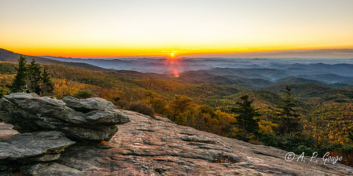 sun sunrise dawn nikon north adobe carolina nik boone blueridgeparkway blowingrock adobelightroom 2013 colorefexpro beaconheights d5100