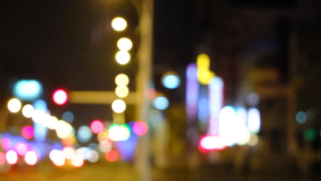 公共電視「我們的島」:替世界滅一盞燈(採訪、撰稿:林燕如;攝影:柯金源、劉啟稜、陳添寶、陳忠峰、鄭嘉明;剪輯:陳添寶 ) 主題:戶外廣告招牌對居民生活的影響、光害