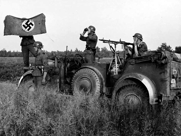 Waffen-SS soldiers with a Horch-901