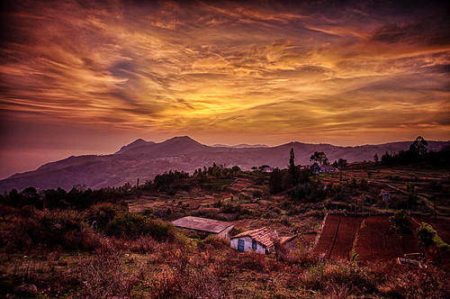 india mountains clouds sunrise landscape amazing village sony hills drama hdr breathtaking tamilnadu ooty westernghats nilgiris ootacamund nex mirrorless thenilgiris sonynex3n atthikkal
