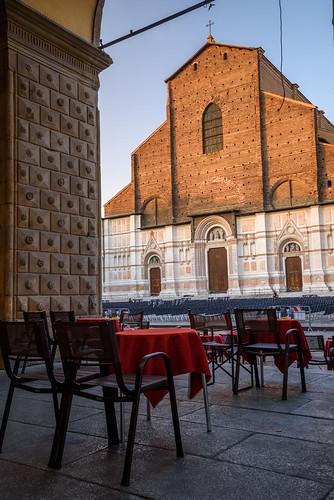 sunrise summer sunburst earlymorning morning morninglight italy italia איטליה italien イタリア centralitaly bologna bologne emiliaromagna emilia urban d750 italiansummer bolognese