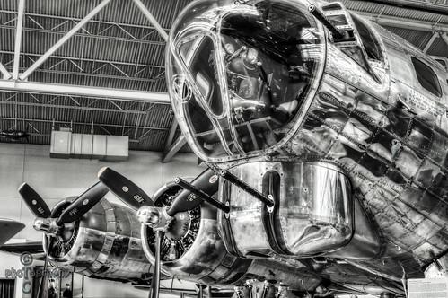 blackandwhite bw airplane b17 hdr b17bomber a57 evergreenaviationmuseum photomatixpro mcminnvilleoregon lightroom4 sonya57 sonyslta57 perfectbw1