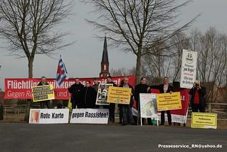 2017.03.04 Schoenwalde-Glien OT Paaren im Glien Proteste gegen Berliner AfD Landesparteitag (1)