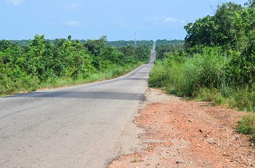 africa alamy141014 bicycle day352 nigeria ogun roads alamy freewheelycom cycling cycletouring cyclotourisme velo jbcyclingafrica