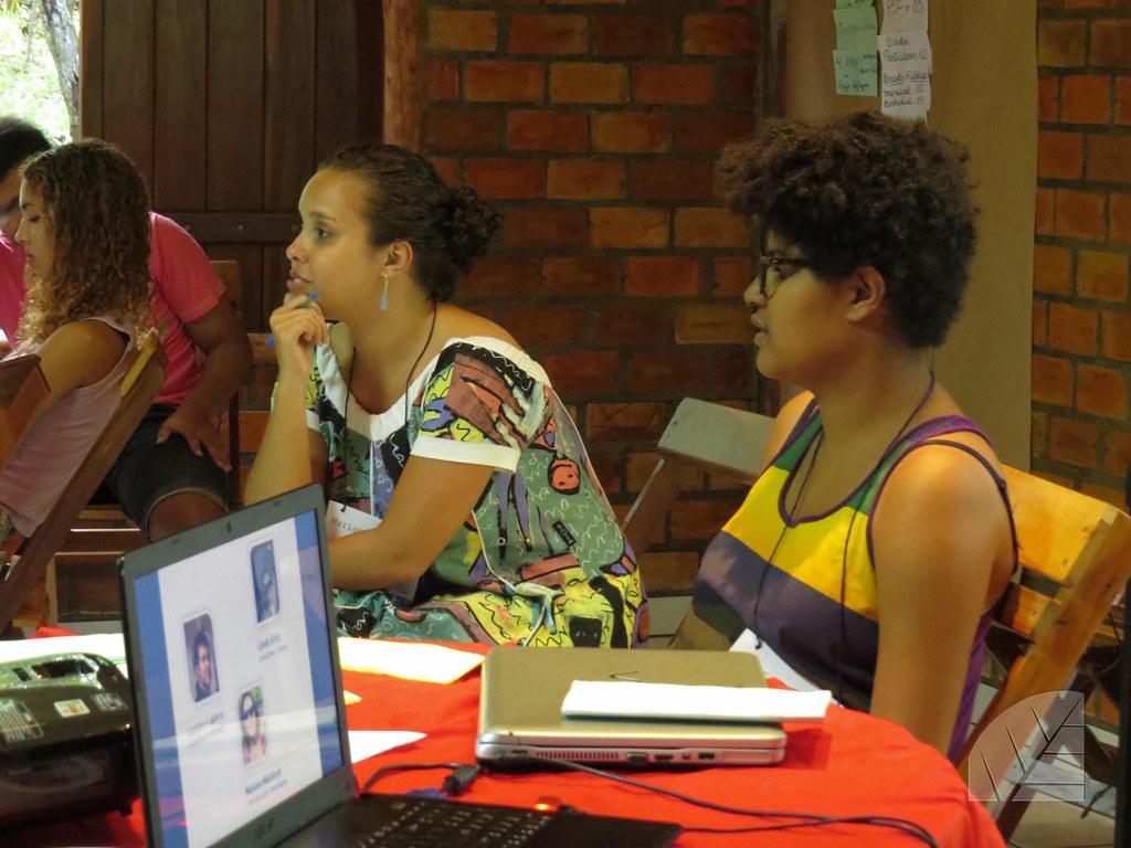3º encontro - Discussão sobre mídia e poder