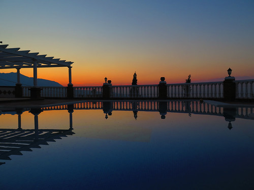 sunrise villa pool holiday spain reflections canon canonpowershotg16 powershot g16 andalucia silhouette beverleybell 2015