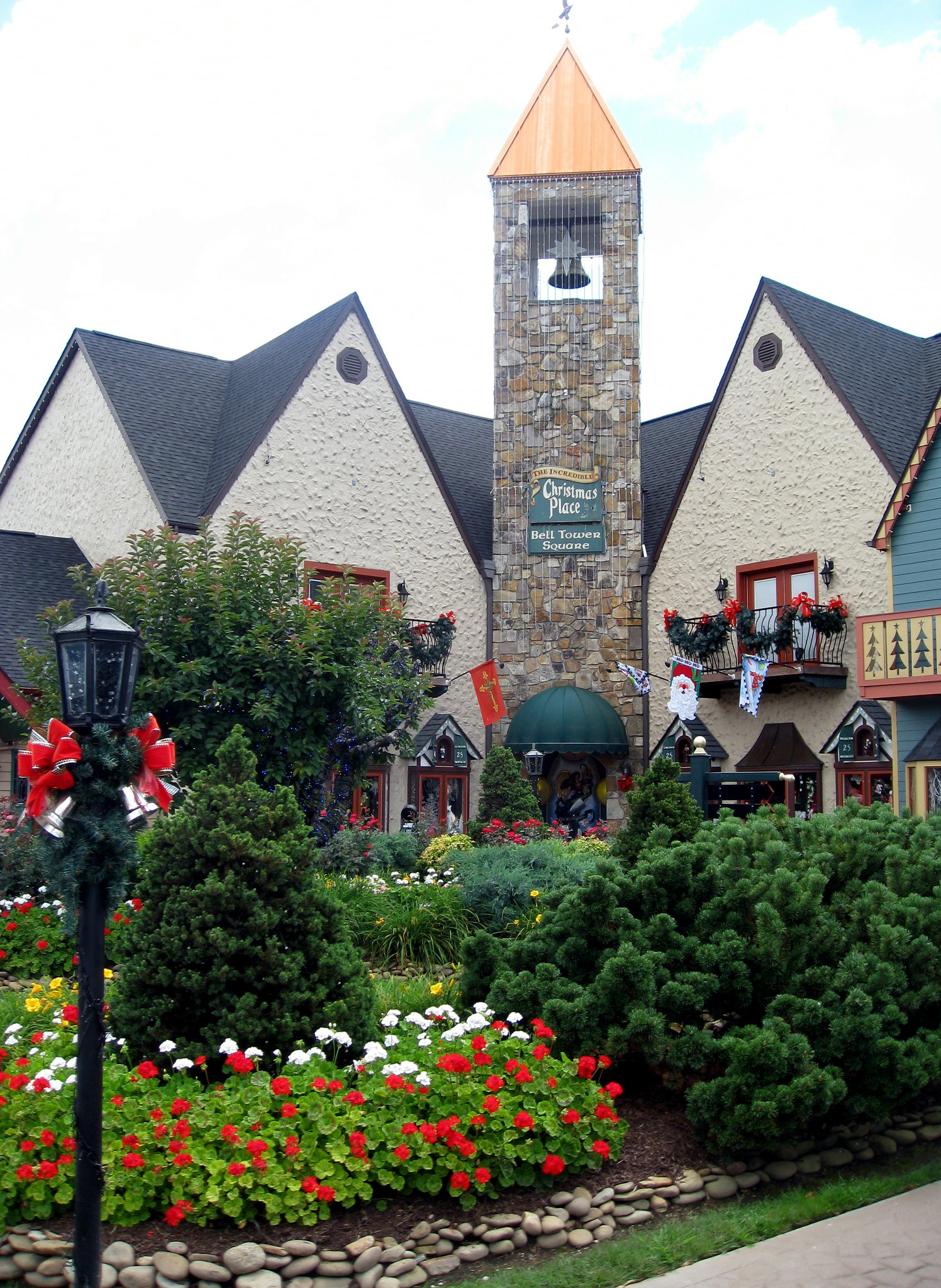 Pigeon Forge - The Incredible Christmas Place - Entrance