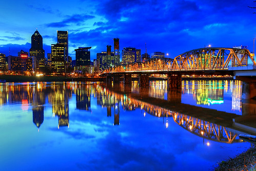 usa oregon river portland or bluehour wilamette refl