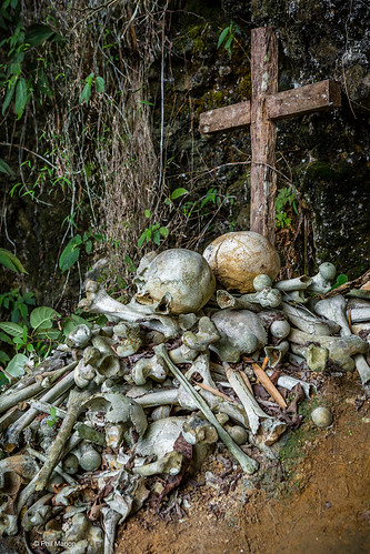 Mass grave in village of Lemo - Tana Toraja, Sulawesi Indonesia | by Phil Marion (173 million views - THANKS)
