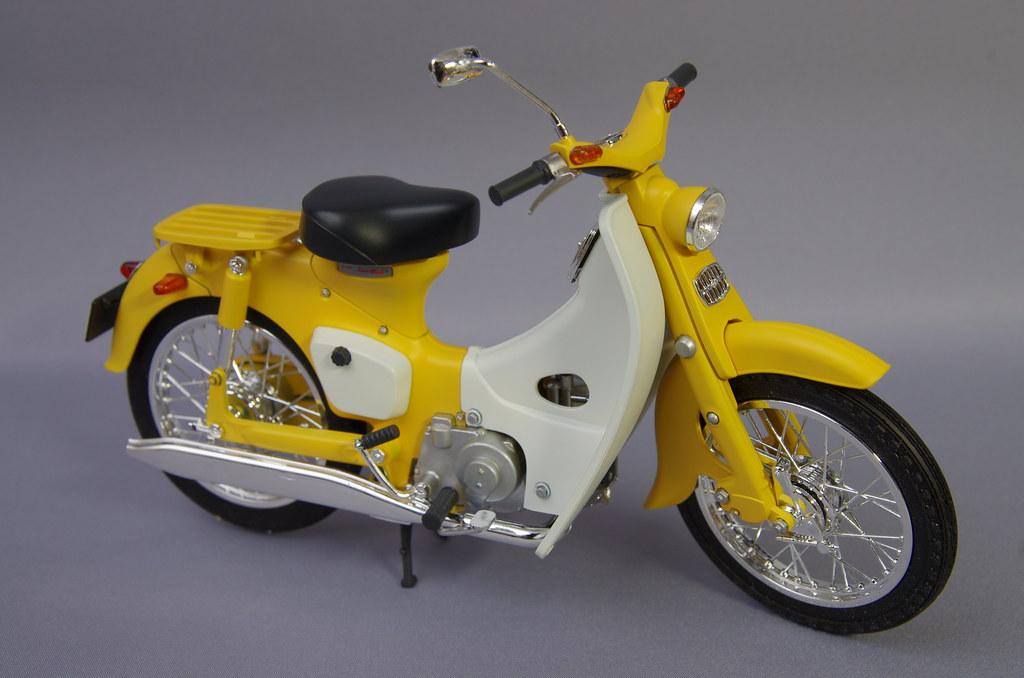 Fujimi Honda Super Cub 1:12