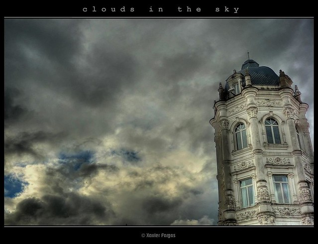 clouds in the sky · nubes en el cielo