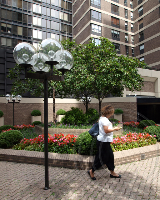 POPS224: Public Plaza, 425 East 58th Street - Sovereign, Sutton Place, East Midtown Manhattan, New York City