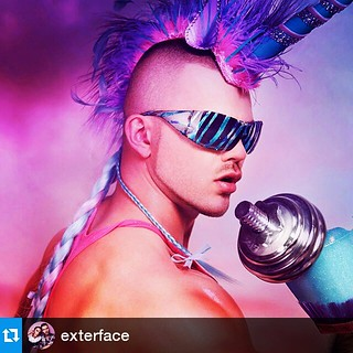 PEQUENO PONEY #Repost @exterface ・・・ That's what it takes to be legendary... Workout in style with David as Unicorn Man. 🏆🐴🏆 #exterface #slickitup #davidmason #parisbaby #mylittlepony #unciorn #legend #myth #mensfitness #fit #nopainnog | by ZEZE ARAUJO