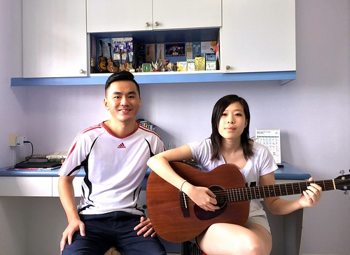 1 to 1 guitar lessons Singapore Carrie