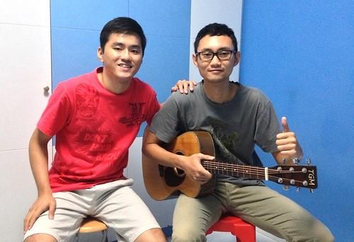 Adult guitar lessons Singapore Vincent