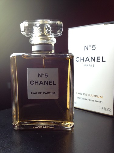 Chanel N°5 | by Favinger Photography