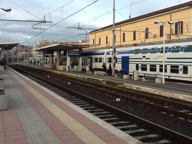 STAZIONE DI ROMA Tuscolana  - TRENO VIVALTO PER CIVITAVECCHIA LINEA FL5