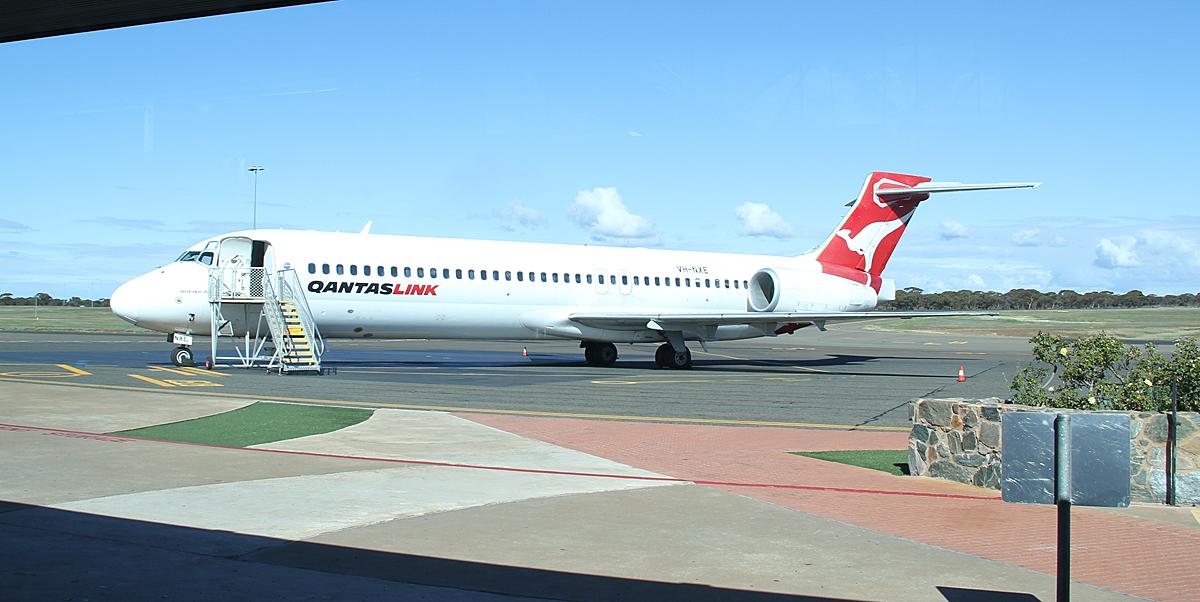 Qantaslink717-23S-VH-NXE-45