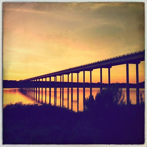 sunset landscape vanishingpoint leadinglines oneofmybest iphoneography hipstamatic lucaslens oggl pureoggl robustafilm
