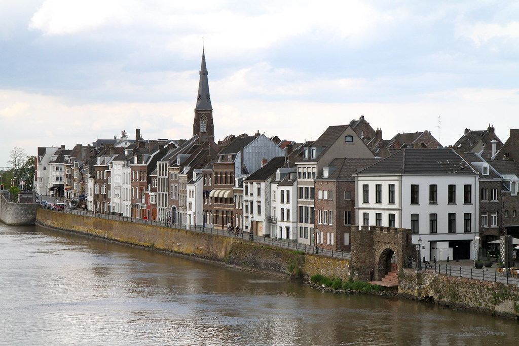 A Plea to Recognize the Legal Rights of the Maas River