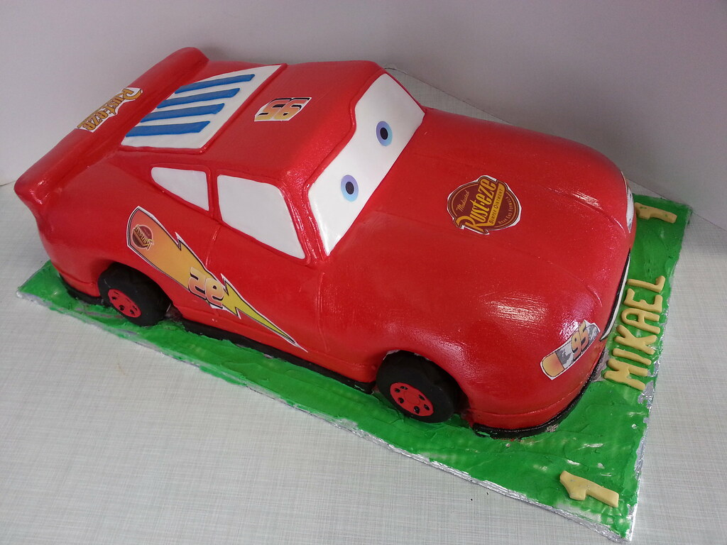 Strange Lightning Mcqueen Birthday Cake Willi Probst Bakery Flickr Funny Birthday Cards Online Fluifree Goldxyz