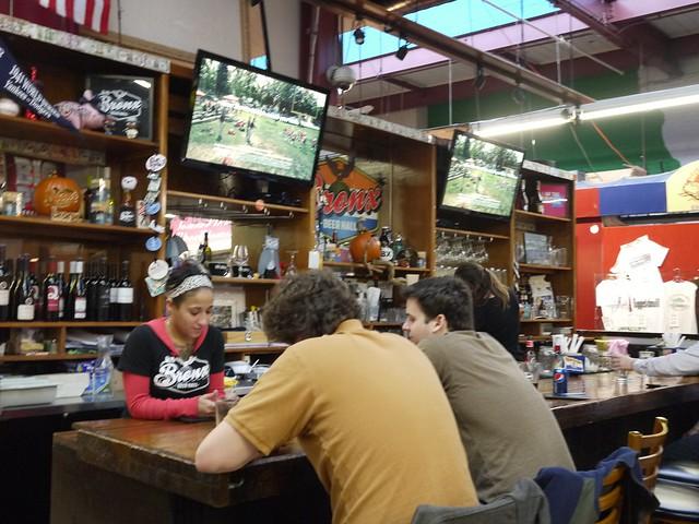 日, 2013-11-03 16:15 - Bronx Beer Hall